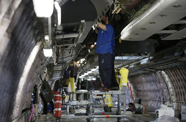 Contract with Iberia Mantenimiento  for interiors in line maintenance